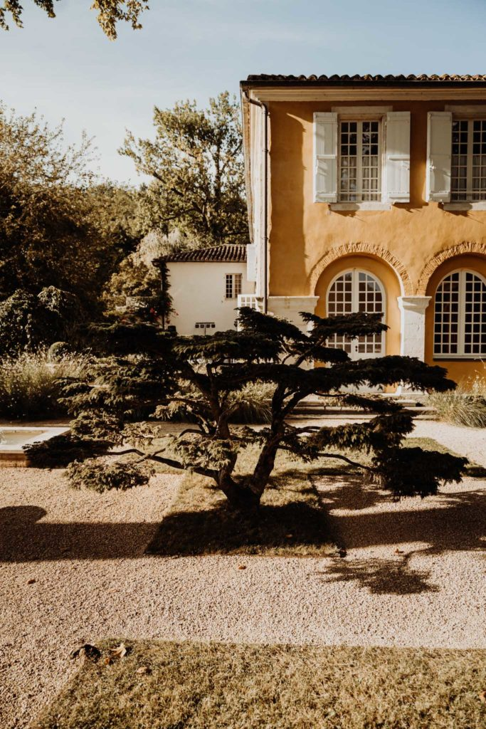 photographe de mariage extérieur de la bastide de cazaubon