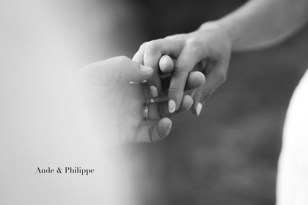 mariage couple cérémonie noir et blanc sud de la france
